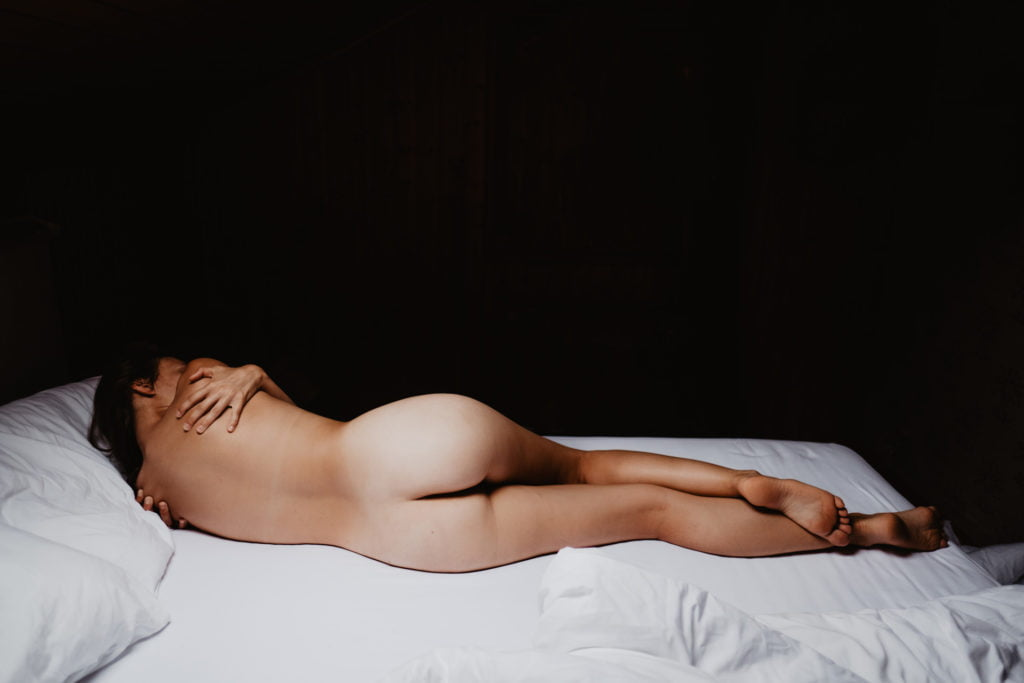Minimalistic photography in natural light. Natural bodies, nude art photography. No retouch, no photoshop.