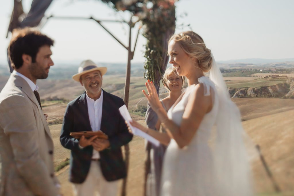 personal wedding vow writing tips