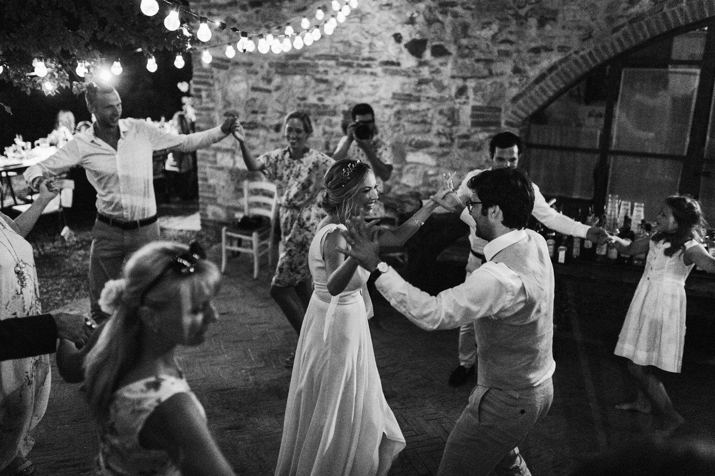 wedding in the lazy olive villa in Tuscany