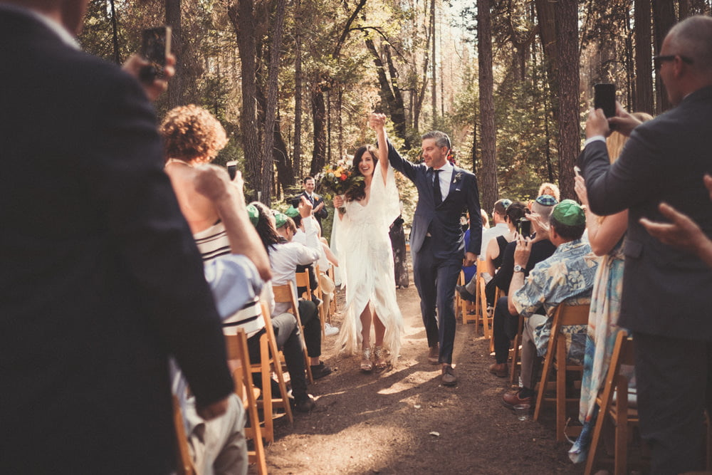 how to write your own wedding vows - guide from wedding photographer